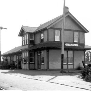 goleta-depot-1912-trackside_cropped